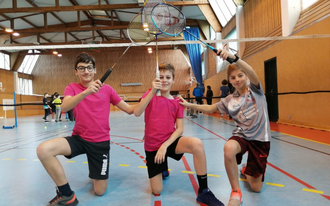 Qualification des benjamins en badminton : champions de district, en route pour les interdistricts !