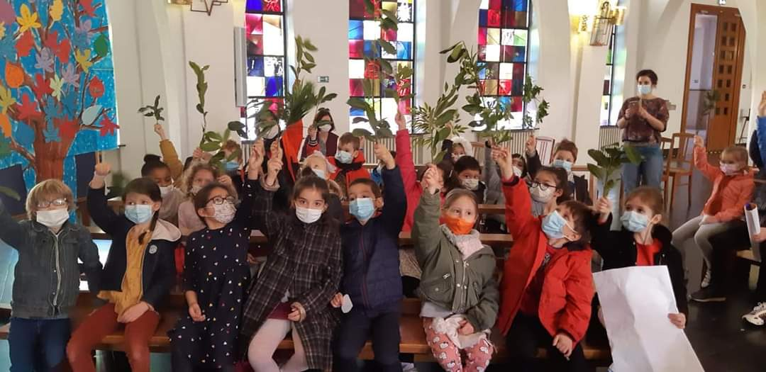 Célébration des rameaux dans la chapelle du collège !
